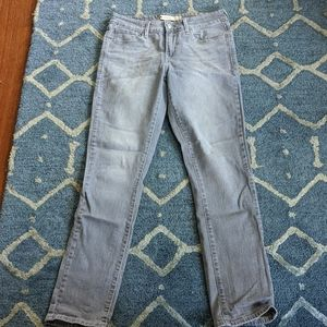 Levi's grey mid rise skinny jeans 6